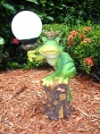 Frog with Solar Light Ball