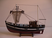 Wood Model Shrimp Boat, Black, W/White Stripe W/Dark Red Bottom, L-17.5in  W-6in  H-14in